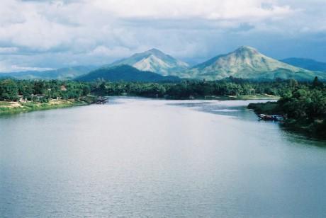 Sông Hương có hai nguồn chính đều bắt nguồn từ dãy núi Trường Sơn. Ảnh: Jasminehuehotel