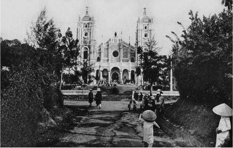 Nhà thờ Phủ Cam năm 1930. (Ảnh: Internet)