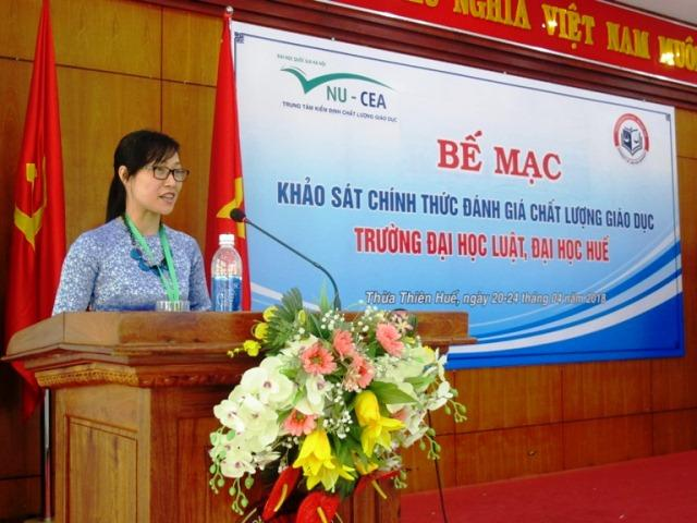 TS. Tạ Thị Thu Hiền cũng gửi lời cảm ơn trường Đại học Luật, Đại học Huế đã hỗ trợ, tạo điều kiện và đáp ứng các yêu cầu cung cấp thông tin, minh chứng phục vụ cho quá trình đánh giá của Đoàn.