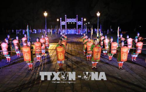 Tái hiện biểu diễn quyền của đội cấm binh trong buổi lễ tế Giao tại đàn Nam Giao. Ảnh: Hồ Cầu/TTXVN