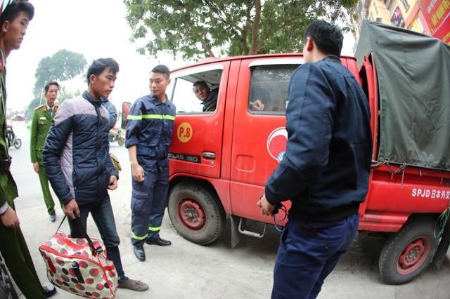 Rất may khi nam công nhân đã được sơ cứu, giúp đỡ kịp thời.