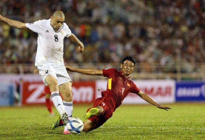 Trận lượt đi trên sân Thống Nhất, Việt Nam và Jordan hòa nhau với tỷ số 0-0.