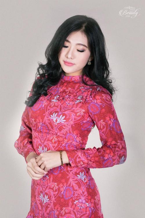 Thần tượng hoa hậu Phạm Hương, Phương Anh cho biết sẽ nỗ lực trau dồi, tích lũy kiến thức từng ngày, với hy vọng được góp mặt trong cuộc thi Hoa hậu Hoàn vũ Việt Nam 2019.