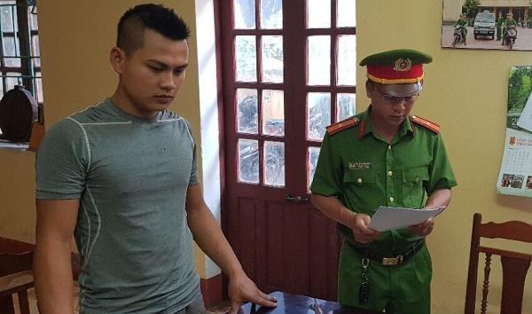 Công an đọc lệnh bắt Phạm Thanh Sơn