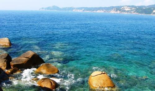 Vịnh Vân Phong là một trong những vịnh đẹp nhất thế giới. Ảnh: VietTravelZ