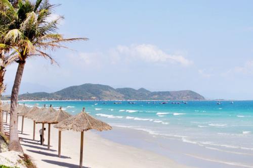 Một bãi biển tuyệt đẹp với lớp cát trắng tinh khiết. Ảnh: Let