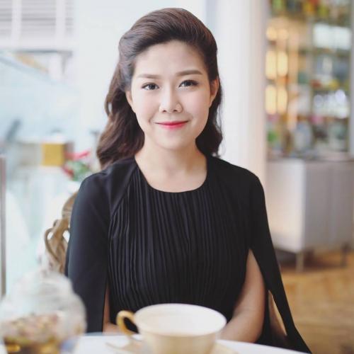 Bên cạnh kinh doanh, Tuệ Nghi đã tốt nghiệp chuyên ngành Luật kinh tế và nhận học bổng học lên Thạc sỹ.