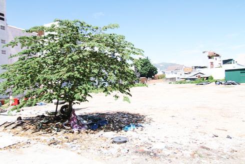 Khu đất xây dựng chung cư Lê Hồng Phong trước đây được tận dụng làm bãi đỗ xe