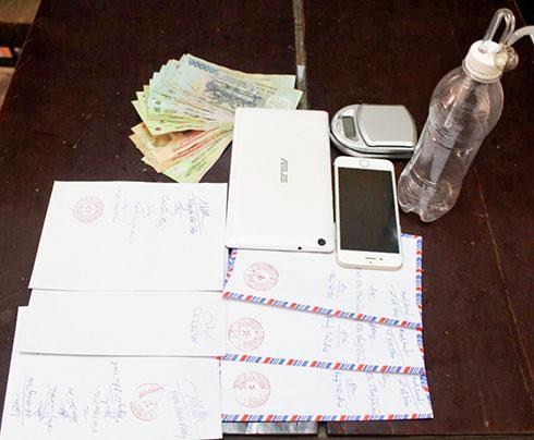 Tang vật trong một vụ mua bán trái phép chất ma túy bị Công an TP. Nha Trang thu giữ, phục vụ điều tra