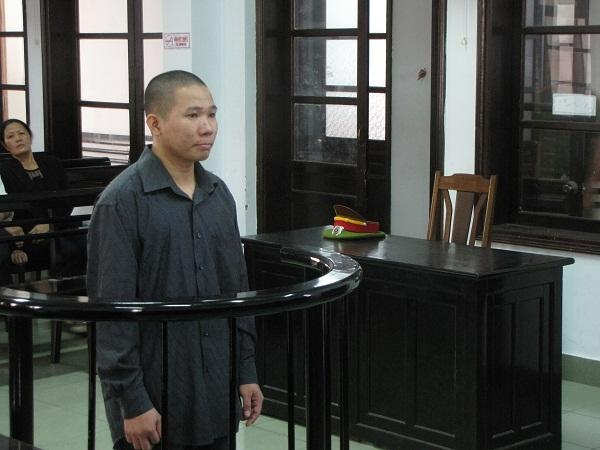 Bị cáo Nguyễn Tuấn Hảo trước vành móng ngựa
