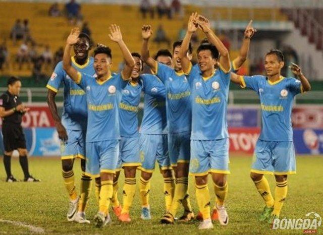 Sanna Khánh Hòa đang rất muốn có được chiến thắng thứ 2 liên tiếp trước CLB TP.HCM ở V-League 2017. Ảnh: Duy Anh.
