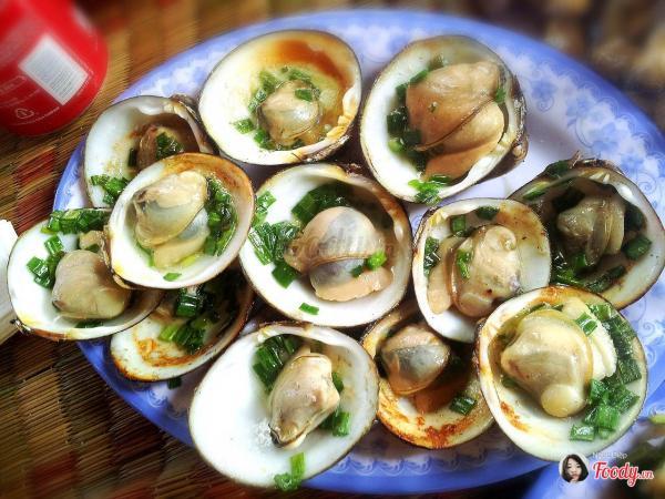Có rất nhiều loại hải sản hấp dẫn- ảnh Foody.vm