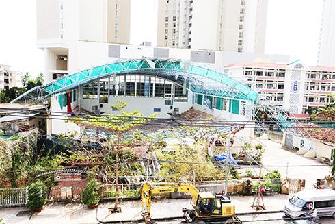Nhà thi đấu đa năng Trường Đại học Khánh Hòa sau cơn bão số 12