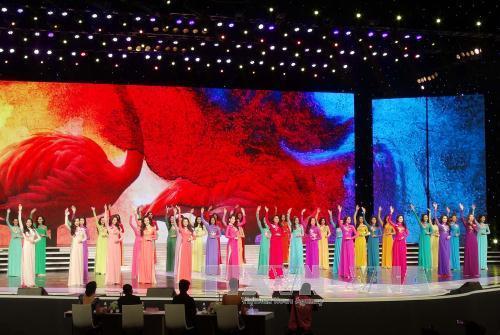 Chung kết cuộc thi Hoa hậu Hoàn vũ Việt Nam 2015 diễn ra tại Khu du lịch Diamond Bay, thành phố Nha Trang (Khánh Hòa). Ảnh: Tiên Minh/TTXVN