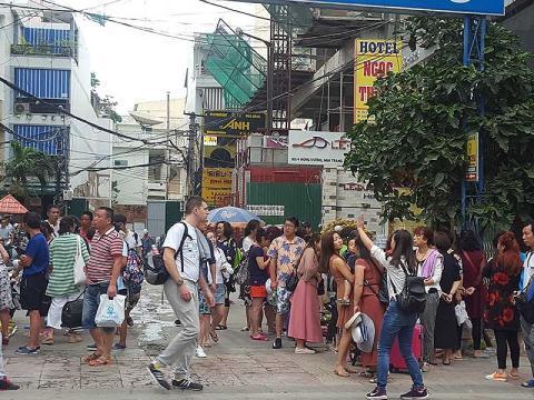 Khách du lịch người Trung Quốc ở Nha Trang. Ảnh: Pháp luật TP.HCM