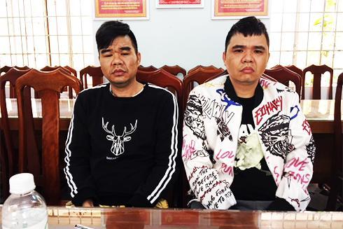 Xie Jin Ping và Xie Ying Po tại Công an tỉnh.