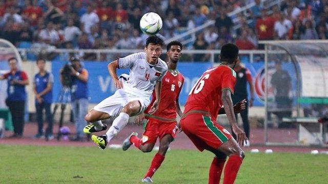 Pha vẩy má ngoài của Văn Hậu khó có cầu thủ Việt Nam nào làm được.