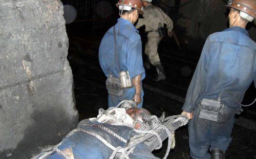 Một vụ tai nạn hầm lò nghiêm trọng khiến thợ lò tử nạn xảy ra tại Công ty than Mông Dương cách đây vài năm. Ảnh: T.N.D