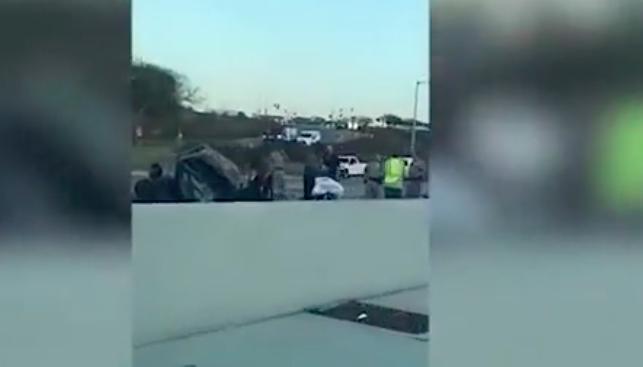 Một tài xế phóng xe với vận tốc 160km/h để... tự tử đã đâm trúng xe của hai mẹ con khiến họ thiệt mạng.