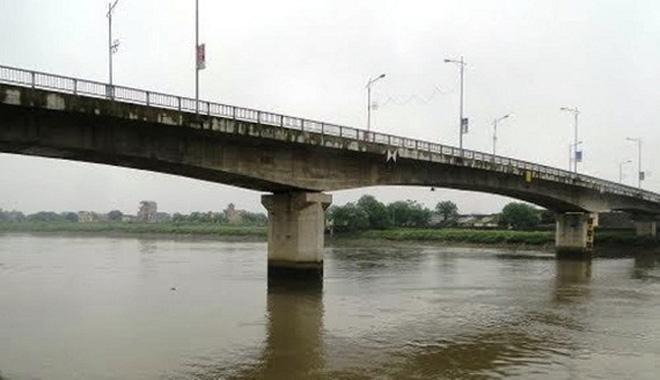 Khu vực cầu Trà Lý nơi nạn nhân gieo mình xuống sông tự tử