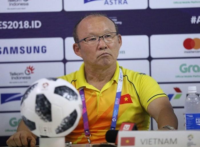 HLV Park Hang Seo rất tự hào khi dẫn dắt U23 Việt Nam. Ảnh S.N