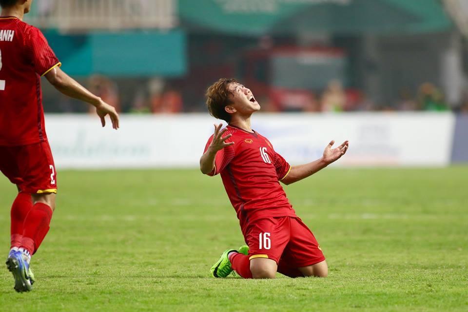 Minh Vương đã có bàn thắng để đời.