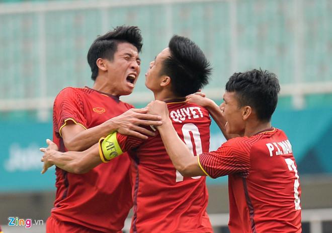 CĐV Thái Lan đánh giá Việt Nam mạnh hơn UAE (ảnh: Zing)