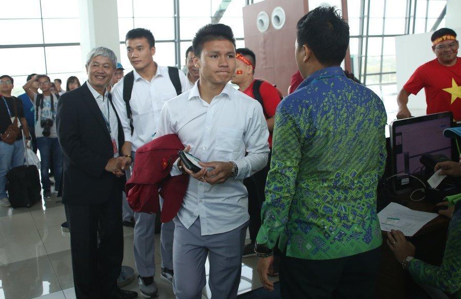 Văn Hoàng, Quang Hải mong được về nhà gặp bố mẹ