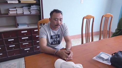 """Trùm gỗ Phan Hữu Phượng (Phượng """"râu"""") bị bắt ngày 27/4/2018. Sau đó, hàng loạt cán bộ lãnh đạo, 2 tỉnh Đắk Nông và Đắk Lắk cũng bị """"nhúng chàm""""."""