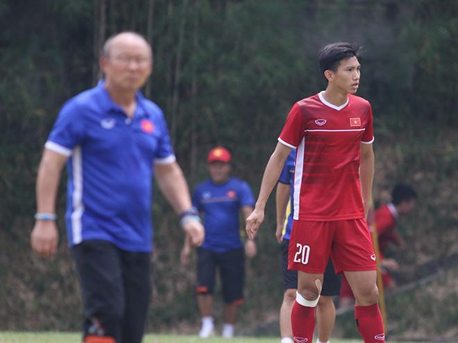 Những cầu thủ như Văn Hậu rất có thể sẽ được mời ra nước ngoài thi đấu nhờ có cả thể hình và trình độ