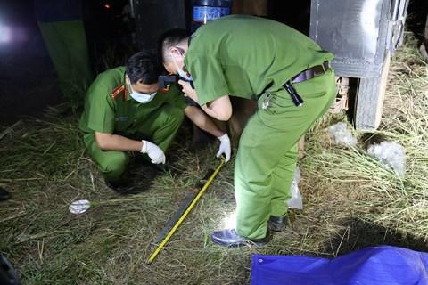 Lực lượng chức năng khám nghiệm hiện trường vụ tranh chấp đất khiến 1 người chết, 7 người bị thương tại xã Ea Bung, huyện Ea Súp, tỉnh Đắk Lắk.