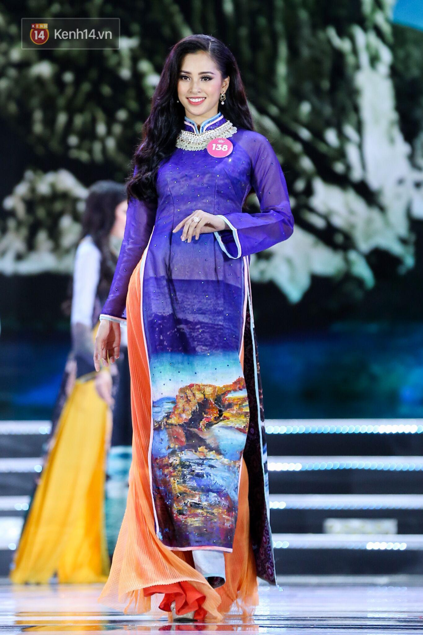 Trong đêm Chung kết Hoa hậu Việt Nam 2018, Tiểu Vy luôn gây ấn tượng với khán giả, ban giám khảo qua các vòng thi: trang phục dân tộc, bikini, dạ hội.