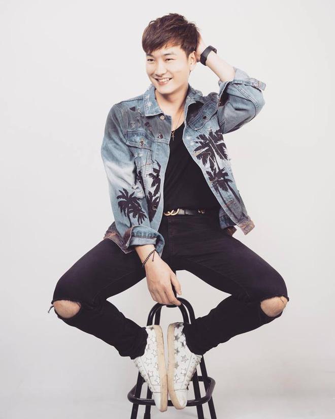 Nam diễn viên thủ vai Phong Cấn chính là Trọng Lân - 1 trong số những diễn viên trẻ của Nhà hát Kịch Hà Nội.