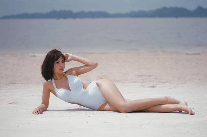 Sở hữu vóc dáng khỏe khoắn và những đường cong thu hút, Thanh Hương luôn tự tin diện những bộ bikini áo bạo nhất.
