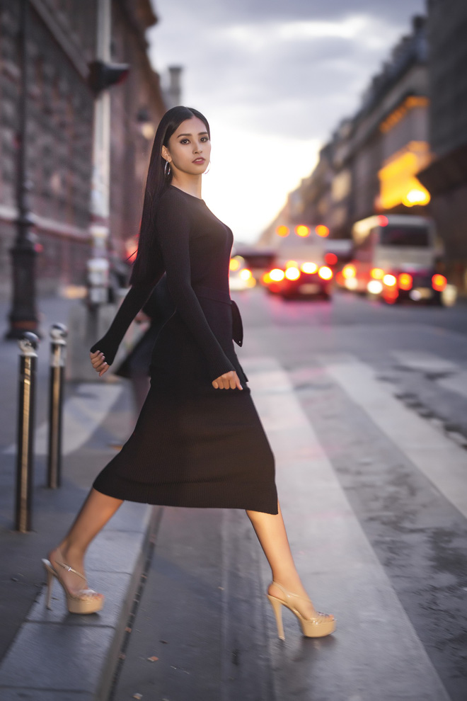 Ở độ tuổi 18, Hoa hậu Trần Tiểu Vy chiếm trọn tình cảm của công chúng bởi nhan sắc vô cùng rực rỡ và nổi trội.