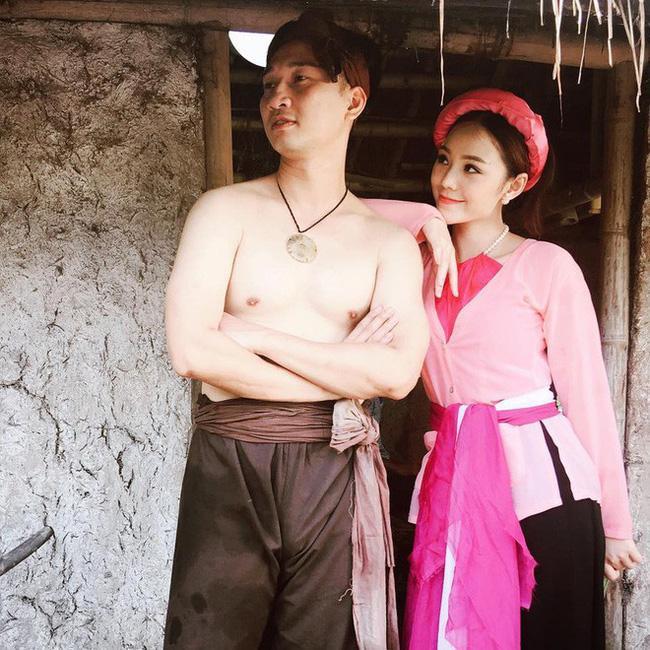 Người thủ vai Đào là nữ diễn viên Quỳnh Kool. Cô được biết tới qua các sitcom như Kem xôi, Loa phường và một vài phim hài, phim truyền hình.