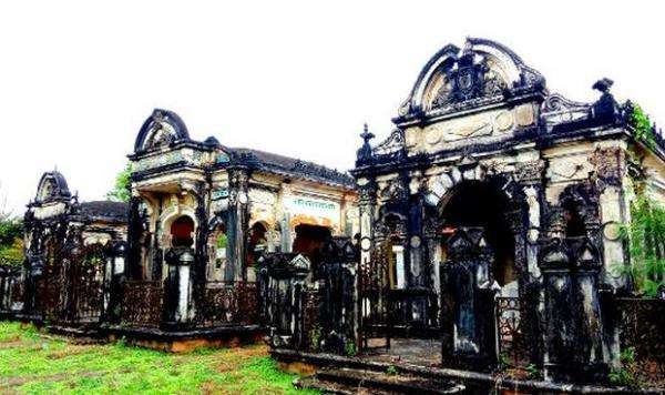 Khu mộ hoành tráng thể hiện mức độ giàu có trước đây của gia tộc họ Trần