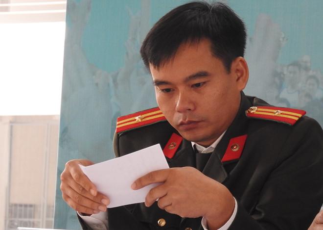 Thiếu tá Bùi Thành Đạt, Trưởng phòng Kế hoạch và Hợp tác đào tạo, Tổng cục Chính trị Công an Nhân dân, Bộ Công an. Ảnh: Quyên Quyên.