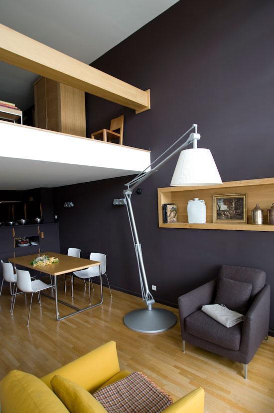 Gác lửng không chỉ là giải pháp tăng diện tích sử dụng cho không gian mà còn là điểm nhấn kiến trúc tạo nên sự đặc biệt và độc đáo cho căn hộ nhỏ.