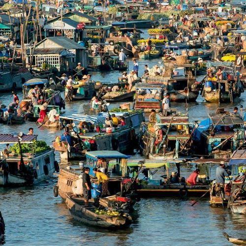 Khung cảnh nhộn nhịp của chợ nổi miền Tây. Ảnh: riccardovannetti
