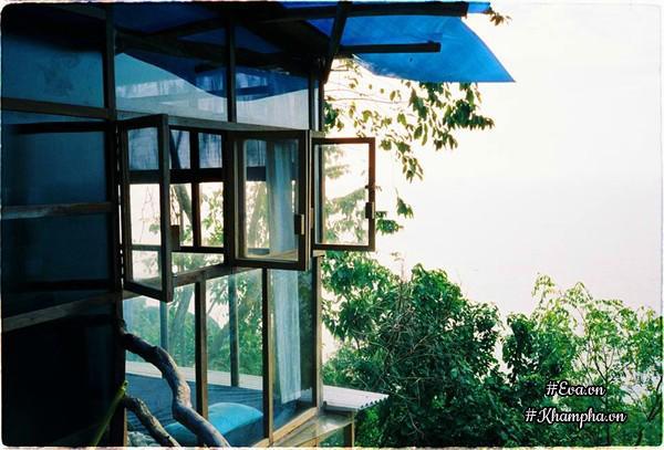 Ngôi nhà gỗ thơ mộng, chan hòa thiên nhiên trên đảo Hòn Sơn của đạo diễn Nguyễn Đức Tú.