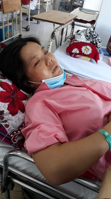Chị  Văn Thị Thúy A đang được theo dõi biến chứng nguy hiểm đến tính mạng sau sinh tại bệnh viện