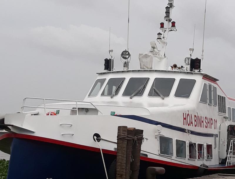 Tàu cáo tốc Hòa Bình SHIP 01, được đóng mới theo công nghệ châu Âu, có sức chứa trên 300 hành khách. Ảnh: Hoàng Nghiệp