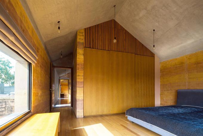 Gia đình có đông thành viên nên cần nhiều phòng ngủ nhưng vẫn có không gian chung kết nối các thành viên.