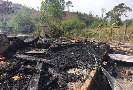 Căn nhà của chị Y HNim bị thiêu rụi hoàn toàn