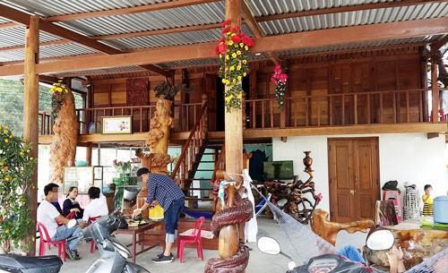 Căn nhà gỗ xây dựng trên đất nông nghiệp của ông Nguyễn Đình Thuận