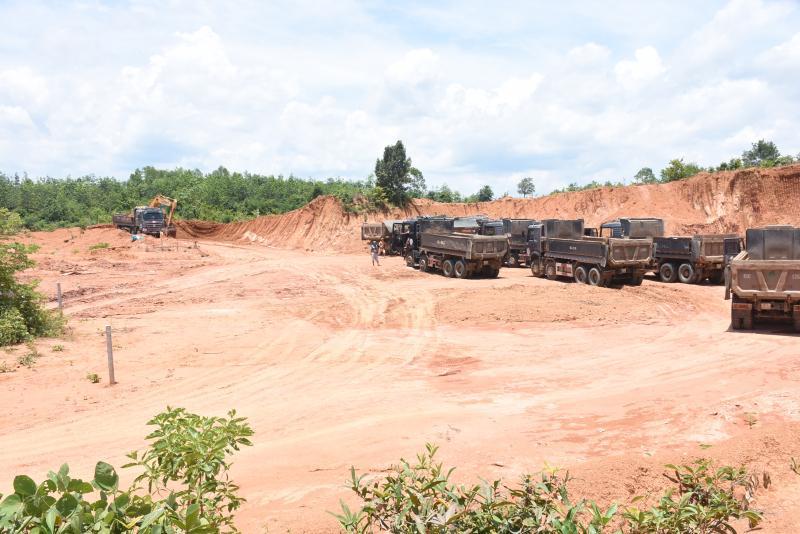 Hiện trường vụ khai thác đất trái phép