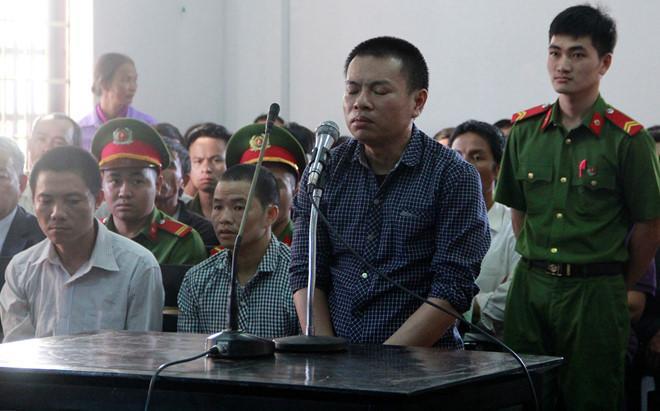 Đặng Văn Hiến tại phiên tòa ngày 3/1/2017. Ảnh: Trần Lộc.