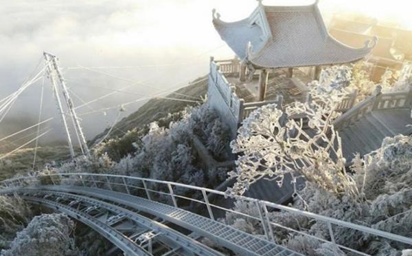 Băng giá xuất hiện tại một số khu vực núi cao tỉnh Lào Cai. Ảnh: Theo Báo Lào Cai