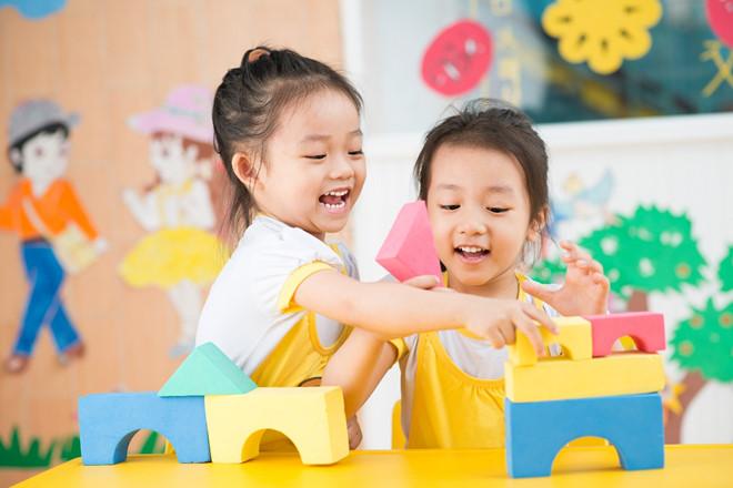 Các bé có thể tham gia nhiều hoạt động tại khu vui chơi.